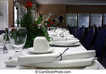 A Hi-Res picture of a formal banquet.