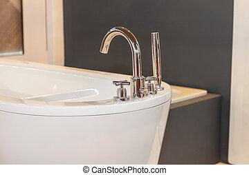 Modern Bathtub Faucet