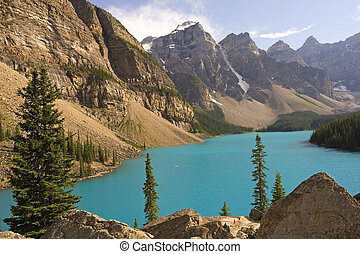 Beautiful Moraine lake in Banff