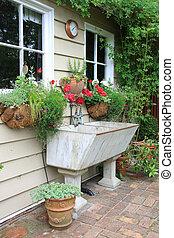 Vintage shed and basin
