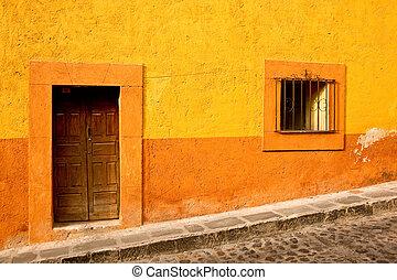 Vibrant colors on a building in downtown San Miguel de Allende